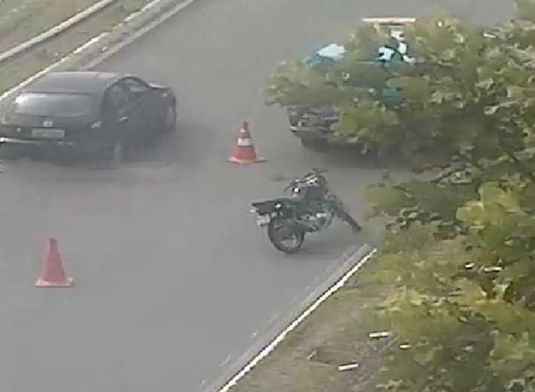 Moto colidiu com poste na Paralela - Foto: Divulgação | Transalvador