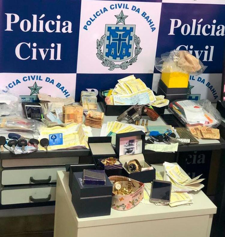 Materiais apreendidos foram levados para a perícia - Foto: Divulgação | Polícia Civil