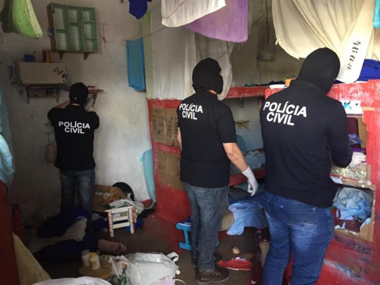 Objetivo da ação foi localizar drogas, armas e aparelhos celulares - Foto: SSP | BA | Divulgação
