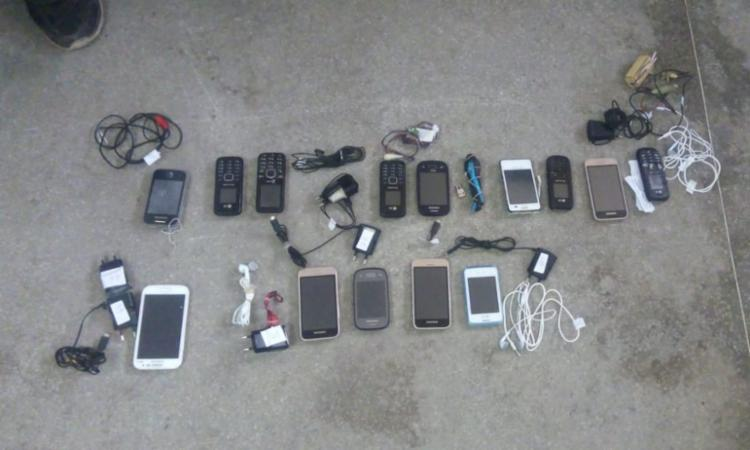 14 aparelhos celulares foram apreendidos em 27 celas do raio B, do Conjunto Penal de Juazeiro