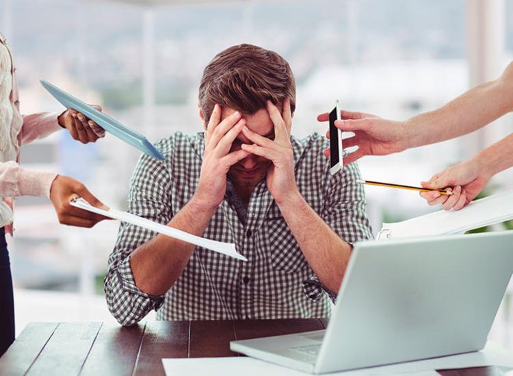 Segundo pesquisa, 72% dos brasileiros no mercado de trabalho sofrem com estresse - Foto: Reprodução | Freepik