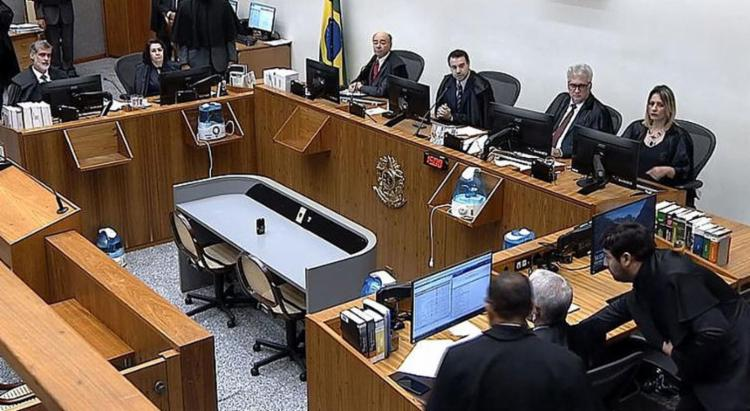 Sexta Turma do STJ durante julgamento do habeas corpus protocolado pela defesa do ex-presidente - Foto: Reprodução l Superior Tribunal de Justiça