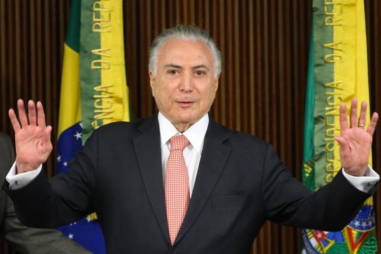 Ex-presidente falou com a imprensa e disse que vai se apresentar à Polícia Federal - Foto: Antonio Cruz   Agência Brasil