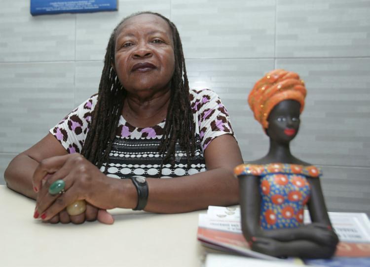 Presidente do Sindicato dos Trabalhadores Domésticos da Bahia diz que empregadores burlam as leis - Foto: Uendel Galter | Ag. A TARDE