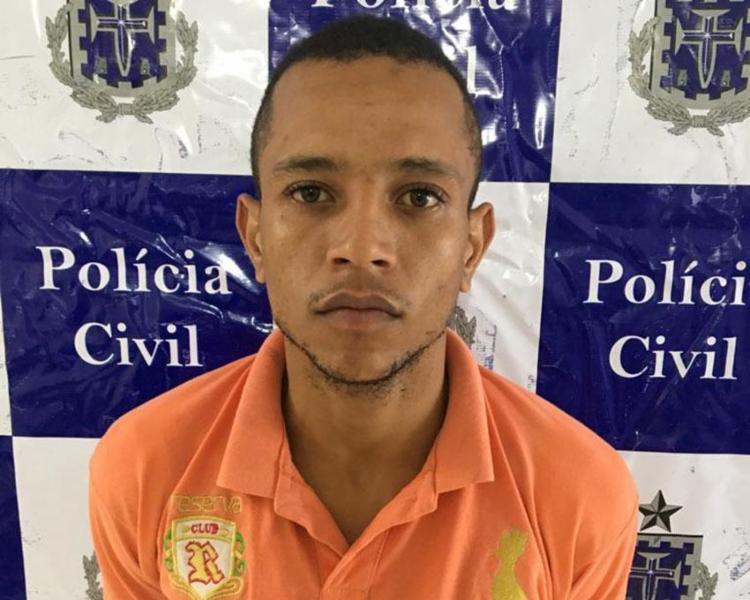 Cleo Maicon de Souza, de 23 anos, é investigado por tráfico de drogas e cometer homicídios - Foto: Divulgação | Polícia Civil