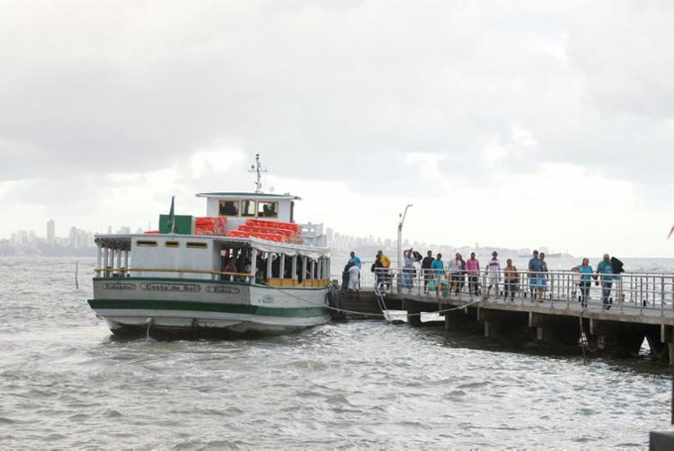 Ventos fortes e mar agitado deixam desfavoráveis trajeto entre Salvador e Ilha de Tinharé - Foto: Luciano Carcará   Ag. A TARDE