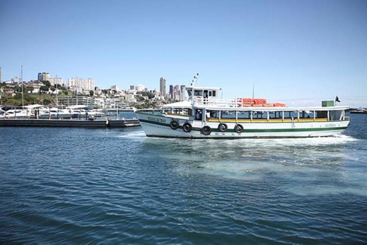 Por causa da maré baixa, as embarcações não conseguem atracar em Vera Cruz - Foto: Joá Souza   Ag. A TARDE