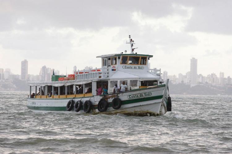 Travessia pode retomar operações casa haja melhora das condições de navegação - Foto: Luciano Carcará | Ag. A TARDE