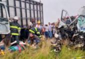 Colisão entre van e ônibus deixa oito mortos na BA-502 | Foto: Paulo José | Acorda Cidade