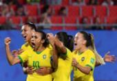 Maior artilheira das Copas, Marta celebra feito:
