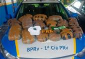 Dois são presos por transporte de drogas na BA-099   Divulgação   PM-BA