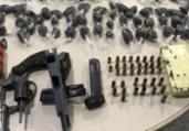 Armas e drogas são apreendidas; suspeito está foragido | Divulgação | SSP