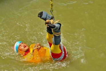 Indiano desaparece no rio Ganges durante show de ilusionismo | STR l AFP