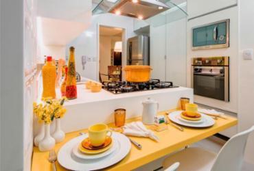 Cozinhas saem da decoração tradicional e ganham espaços colorido | Tarso Figueira | Divulgação