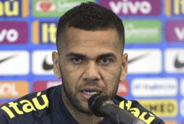 Daniel Alves critica clubismo da torcida e pede conexão entre público e seleção | Juan Mabromata l AFP