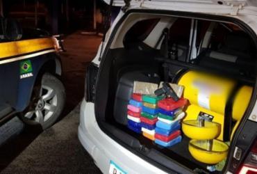 Homem é flagrado com drogas e arma em carro na BR-116 | Divulgação | PRF