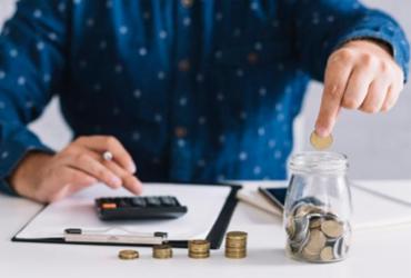 Com crise, renda do trabalhador chegou a cair até 16% em cinco anos | Divulgação | Freepik