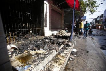 Incêndio atinge estabelecimento no bairro do Uruguai | Raul Spinassé | Ag. A TARDE