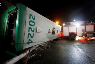Transalvador realiza perícia em local de acidente com ônibus | Adilton Venegeroles | Ag. A TARDE