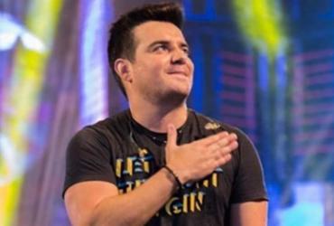 Sertanejo Bruno Belutti interrompe show após ser atingido por bomba | Reprodução | Instagram