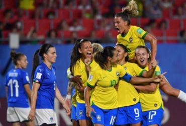 Brasil bate Itália com gol histórico de Marta e avança às oitavas | Philippe Huguen l AFP
