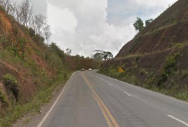 Adolescente é flagrado viajando em para-choque de caminhão | Reprodução | Google Maps