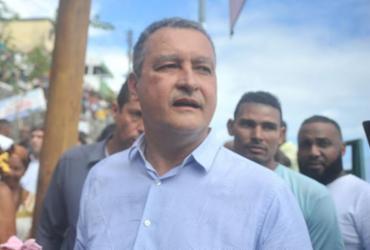 Governador entrega contenção de encosta em rua onde cresceu | Felipe Iruatã l Ag. A TARDE