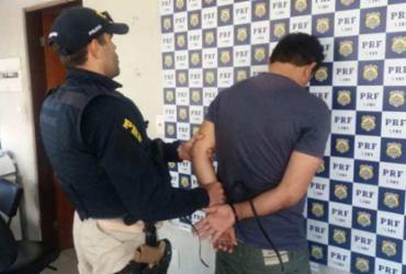 Suspeito de tráfico de drogas é preso na BR-101 | Divulgação | PRF