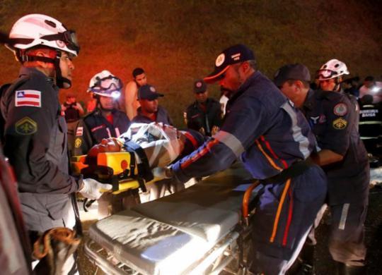 Dois pacientes ainda seguem internados após acidente com ônibus | Adilton Venegeroles | Ag. A Tarde
