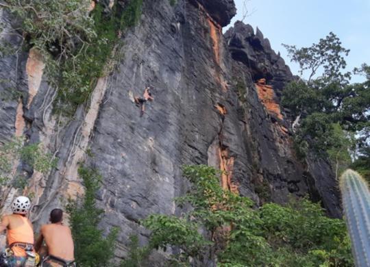 Encontro de Escaladores do Nordeste começa em distrito de São Desidério   Leo of Climb   Divulgação