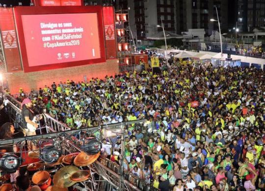 Arena no Farol da Barra fica lotada para show do cantor Bell Marques | Divulgação