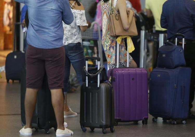 O fim da cobrança por bagagem não fazia parte do texto original da Medida Provisória - Foto: Joá Souza l Ag. A TARDE l 27.7.2018