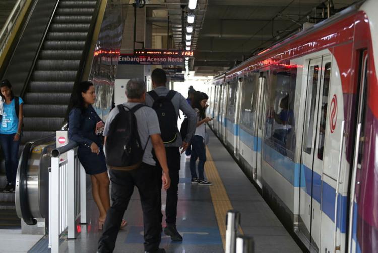 Trens da Linha 2 operaram com velocidade reduzida por conta de atos de vandalismo - Foto: Joá Souza | Ag. A TARDE | 25.03.2019