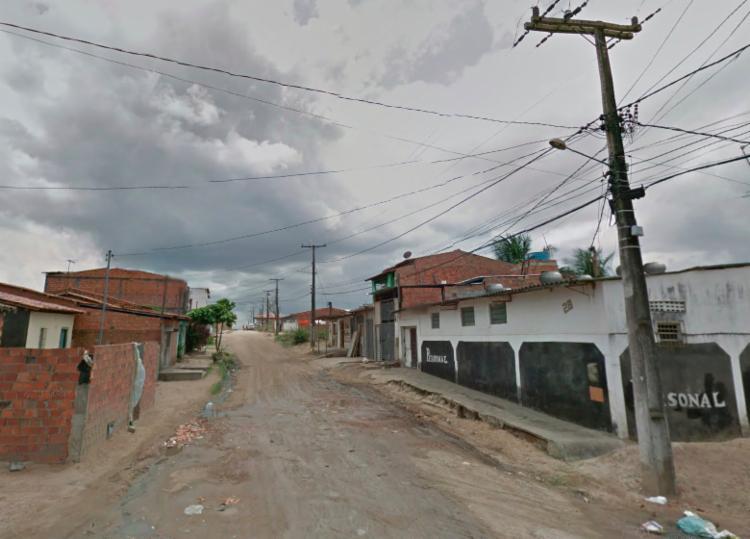 Corpo foi encontrado na Rua das Palmeiras, no bairro Parque Ipê - Foto: Reprodução | Google Street View