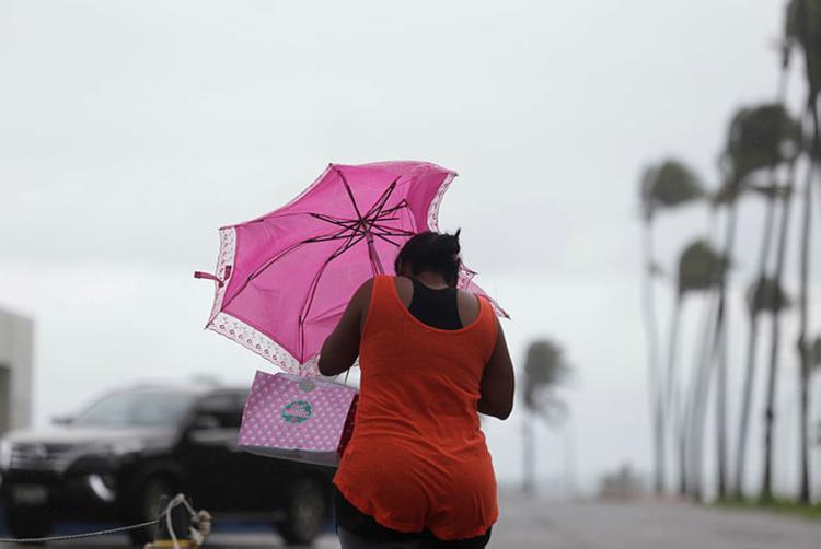 Salvador recebeu chuva e ventos fortes durante a semana - Foto: Raul Spinassé / Ag. A TARDE