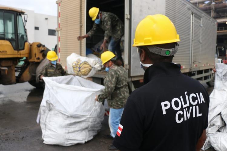 Caminhão com drogas foi escoltado e levado até uma empresa responsável pela queima do material