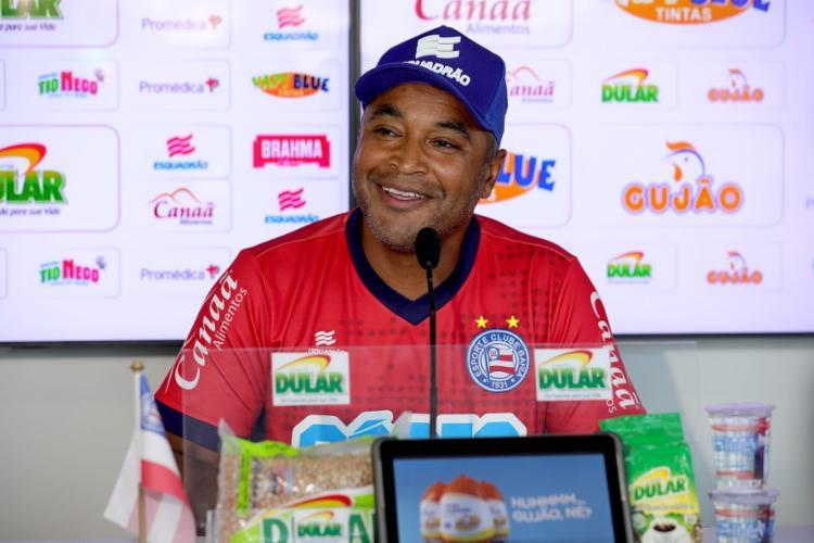 Para Roger Machado, houve um erro de estratégia adotada dentro de campo no primeiro tempo - Foto: Felipe Oliveira | EC Bahia