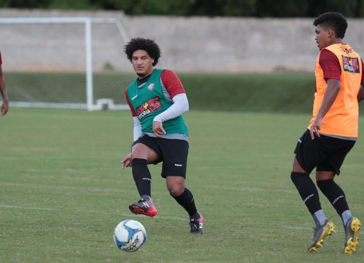 Felipe Gedoz treinou normalmente e pode reforçar a equipe no sábado - Foto: Divulgação | EC Vitória