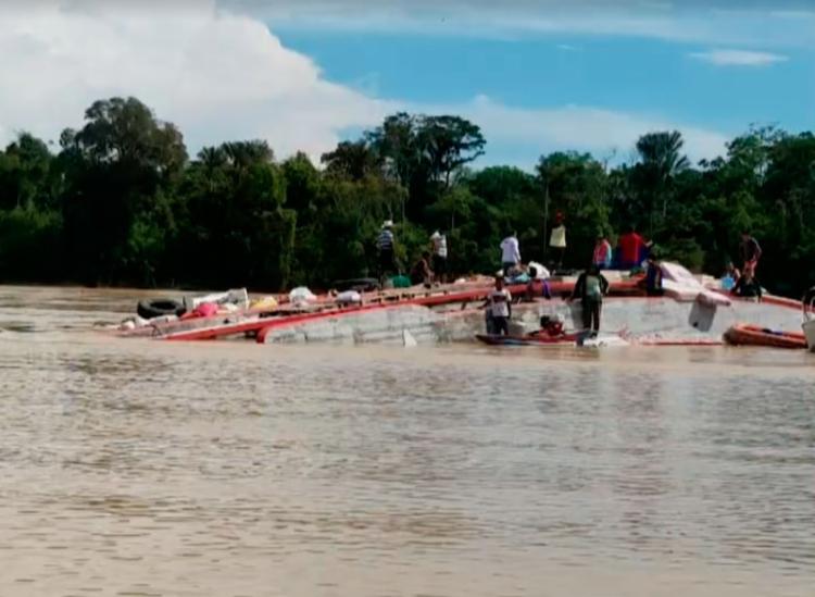 Barco afundou próximo a uma comunidade denominada Bacaba - Foto: Reprodução | Rede Amazônica