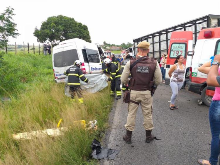 Outras três pessoas que ficaram gravemente feridas no acidente continuam internadas em Feira de Santana - Foto: Paulo José | Acorda Cidade