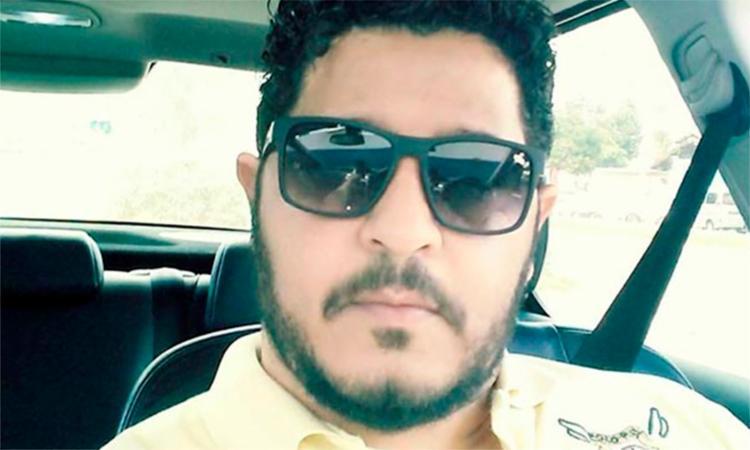 Régis Santos estava atrás do balcão quando foi surpreendido pelos suspeitos que chegaram atirando - Foto: Reprodução   Blog do Marcelo