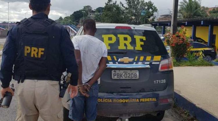 Suspeito confessou à PRF que venderia ou trocaria cabos por drogas - Foto: Divulgação | PRF