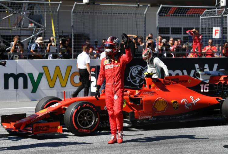 Leclerc bateu o inglês anotando o tempo de 1m03s003 - Foto: Andrej Isakovic | AFP