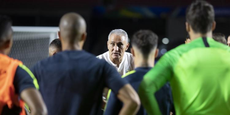 Tite adiantou ter cobrado do time uma atuação melhor do que a estreia - Foto: Lucas Figueiredo | CBF | Divulgação