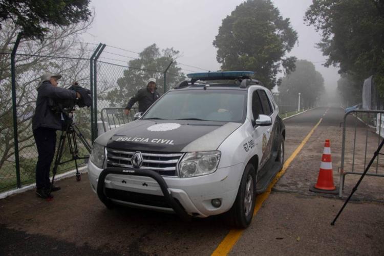 Polícia Civil chegou a Granja Comary na manhã deste domingo - Foto: Mauro Pimentel | AFP