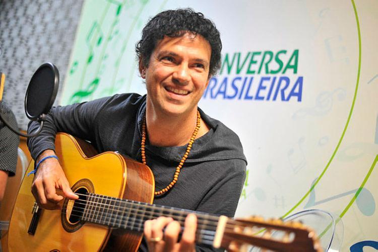 Jorge Vercillo em entrevista para a rádio A TARDE FM para o Conversa Brasileira - Foto: Felipe Iruatã | Ag. A Tarde