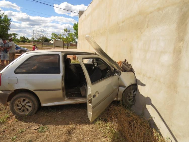 Motorista dirigia em alta velocidade quando perdeu o controle da direção - Foto: Divulgação | Blog do Braga