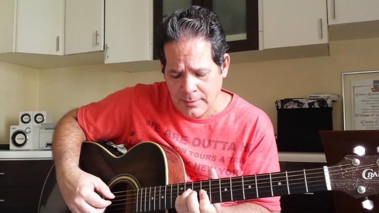 Em sua trajetória, Nando Borges gravou 6 discos autorais e um DVD ao vivo, filmado em Praia do Forte - Foto: Reprodução | Youtube