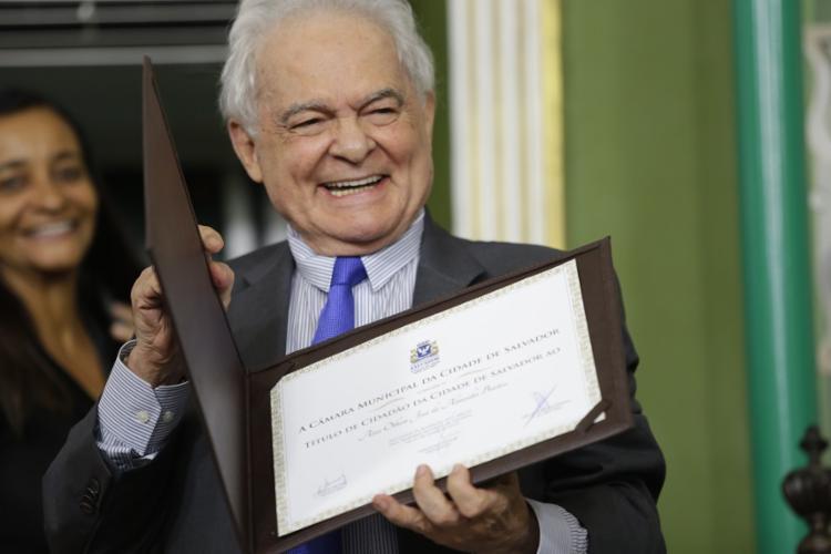 Ao ser condecorado com o título de Cidadão de Salvador, Othon declarou: