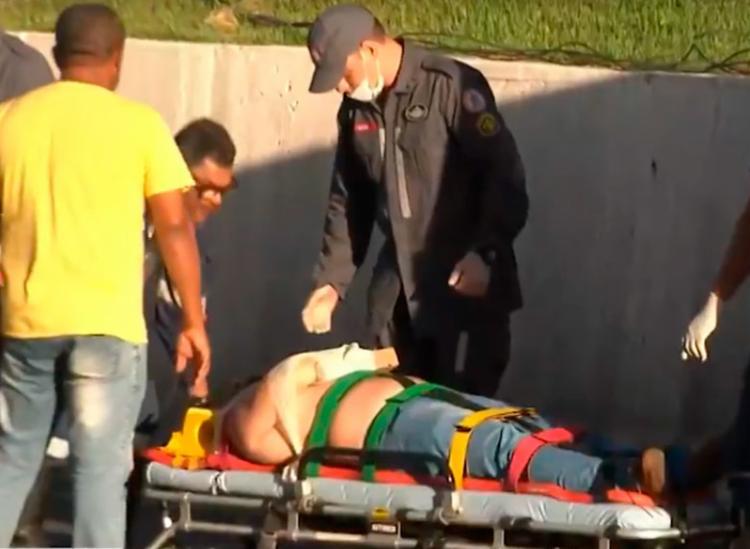 Vítima foi encaminhada para hospital pelo Corpo de Bombeiros da Polícia Militar (CBPM) - Foto: Reprodução | TV Bahia